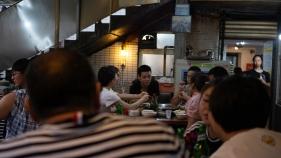 hotpot chongqing streetfood localfood spicyfood friendseating