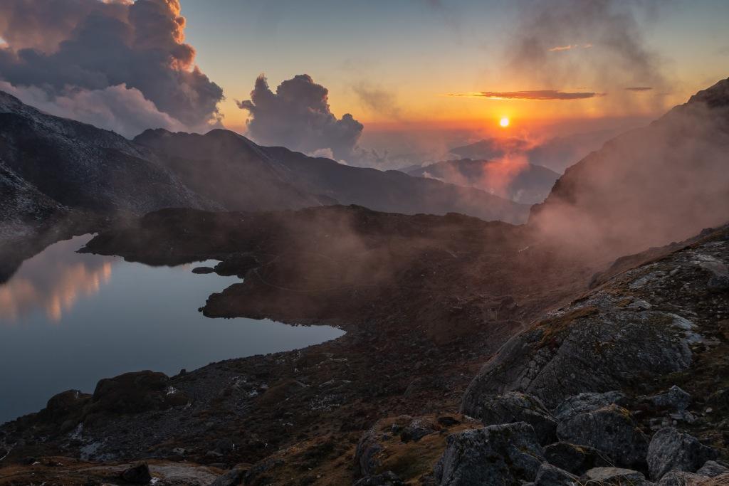 gosainkundalake lake lakes gosainkundalakes langtang langtangvalley trek trekking